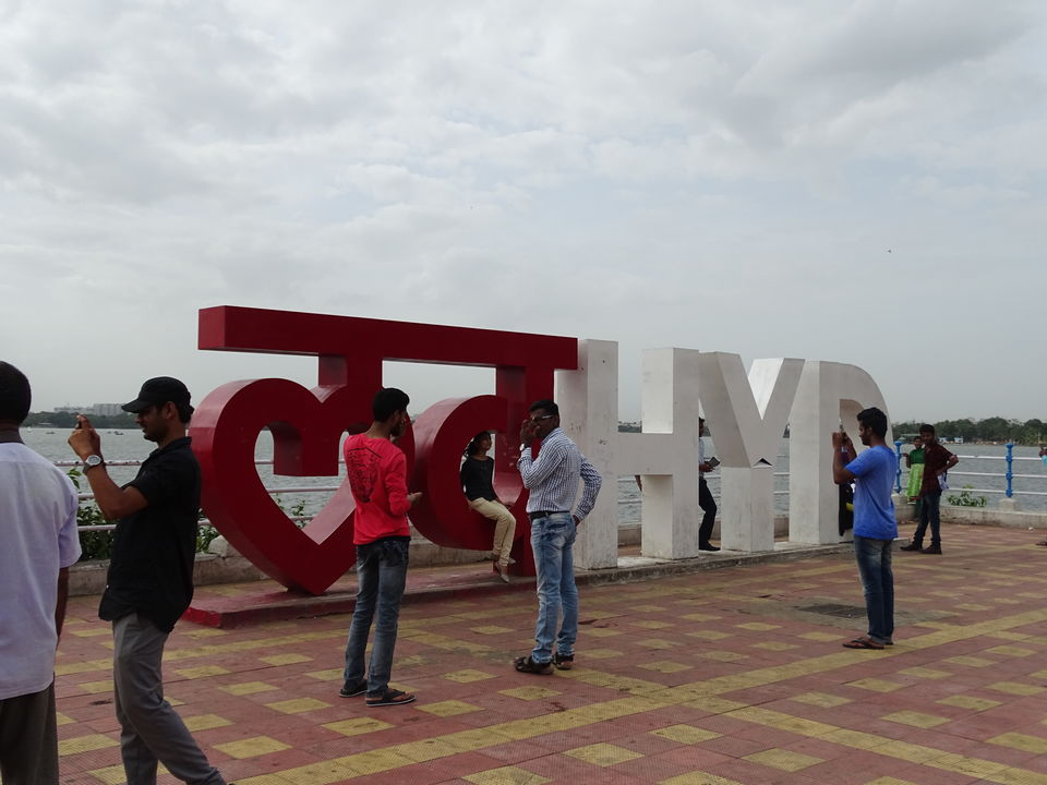 Photos of Necklace Road - the Marine Drive of Hyderabad 1/1 by Karim S A