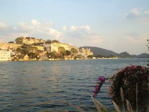"""""""A city of lakes and romance""""-Udaipur"""
