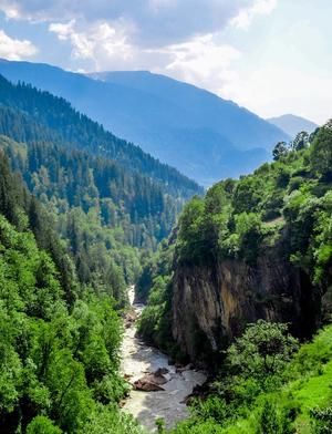 Kasol-Kheerganga Trek in Parvati Valley