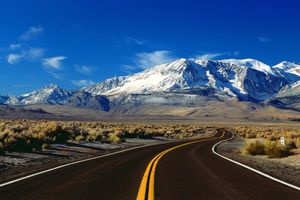 10 Incredible Drives Around The World That Need To Be On Your Bucket List