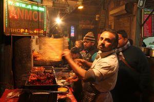 Top 10 Dirt-Cheap Food Joints In Delhi/NCR That Are Open Throughout The Night