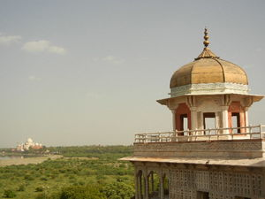 Discover Agra slowly...