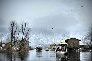 Here's How You Can Experience The Best Of Kashmir In 7 Days. Book Now To Get Free Return Airfare!