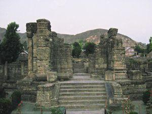 Kashmir Diary: Ruins of Ancient Temples of Awantipora
