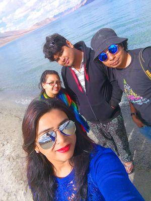 #SwipeRightToTravel Mesmerizing Blue Lake (Pangong)!!