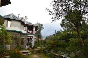 Ghoomakad - A home in the mountains