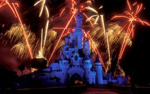 Disneyland Park 1/33 by Tripoto