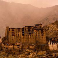 Namgyal Tsemo Gompa 5/9 by Tripoto