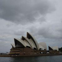 Sydney Opera House 2/10 by Tripoto