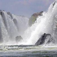 Hogenakkal Waterfalls 2/78 by Tripoto