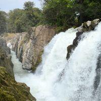 Hogenakkal Waterfalls 3/78 by Tripoto