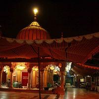Hazrat Nizamuddin Darga 2/4 by Tripoto