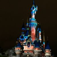 Disneyland Park 3/33 by Tripoto