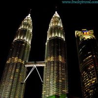 Petronas Twin Towers 3/17 by Tripoto